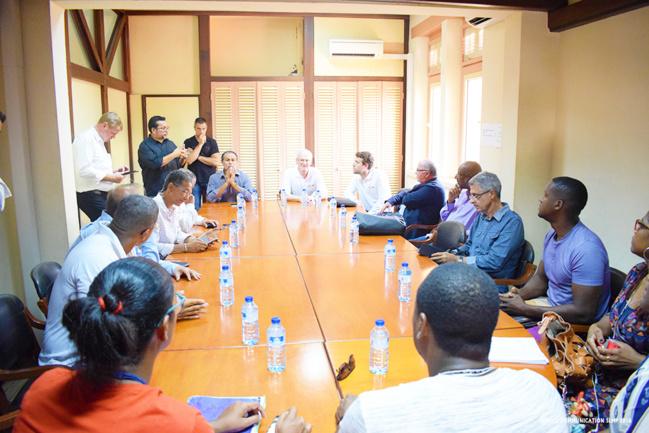 Rencontre entre Léon BERTRAND, les élus, le PDG d'EDF et le collectif des Iguanes