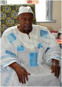 Condoléances  à la famille du Granman de la population Marron, Da Matodja Gazon (1920 - 2011).