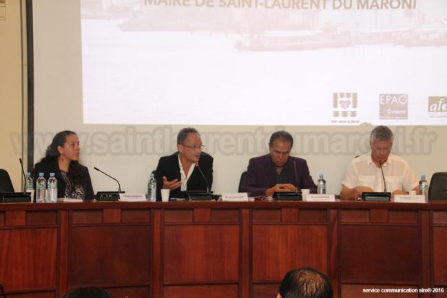 Mardi 10 mai 2016 - Léon Bertrand a présidé la cérémonie d'ouverture officielle des « Ateliers Internationaux de maîtrise d'œuvre urbaine » à la mairie