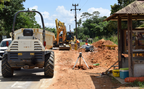 Saint-Laurent travaux : extension du réseau d'assainissement des eaux usées sur la RD11