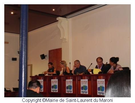"""Le Maire a présenté l'opération """"Mes vacances 2011 à Saint-Laurent du Maroni"""""""
