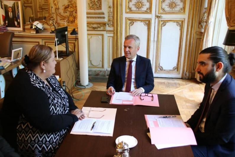 [CCOG-ENVIRONNEMENT] : la Présidente de la CCOG et maire de Saint-Laurent du Maroni, Sophie CHARLES, sensibilise le Ministre de la Transition écologique et solidaire, François de RUGY, à la question de la collecte et du traitement des déchets dans l'