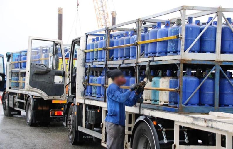 [#approvisionnement-crise coronavirus] : la commune de #saintlaurentdumaroni organise une distribution de bouteilles de gaz à la gare fluviale