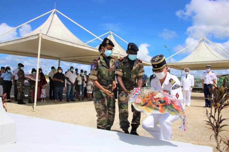 #Armistice : retour en images sur les cérémonies de commémoration du 102ème anniversaire du 11 novembre à #saintlaurentdumaroni