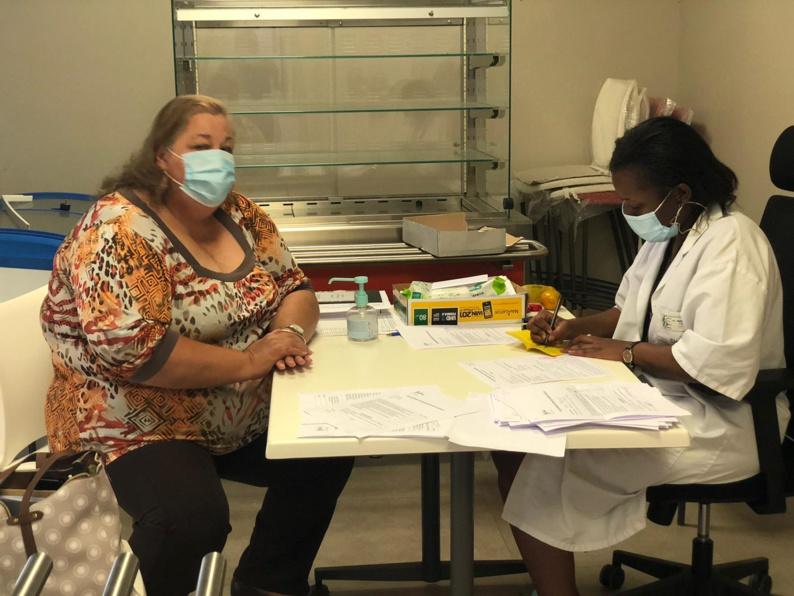 #Vaccination anti-covid : Sophie CHARLES, maire de saint-Laurent du Maroni, a été vaccinée