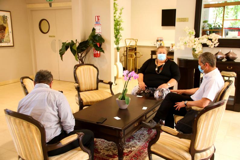 #Énergierenouvelable : Sophie CHARLES, Maire de Saint-Laurent du Maroni, rencontre David AUGEIX, Directeur Outre-Mer d'EDF Renouvelables pour un projet de centrale solaire
