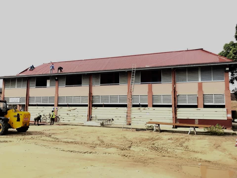 [Amélioration du cadre de vie] : rénovation de la toiture du bâtiment de l'office de tourisme