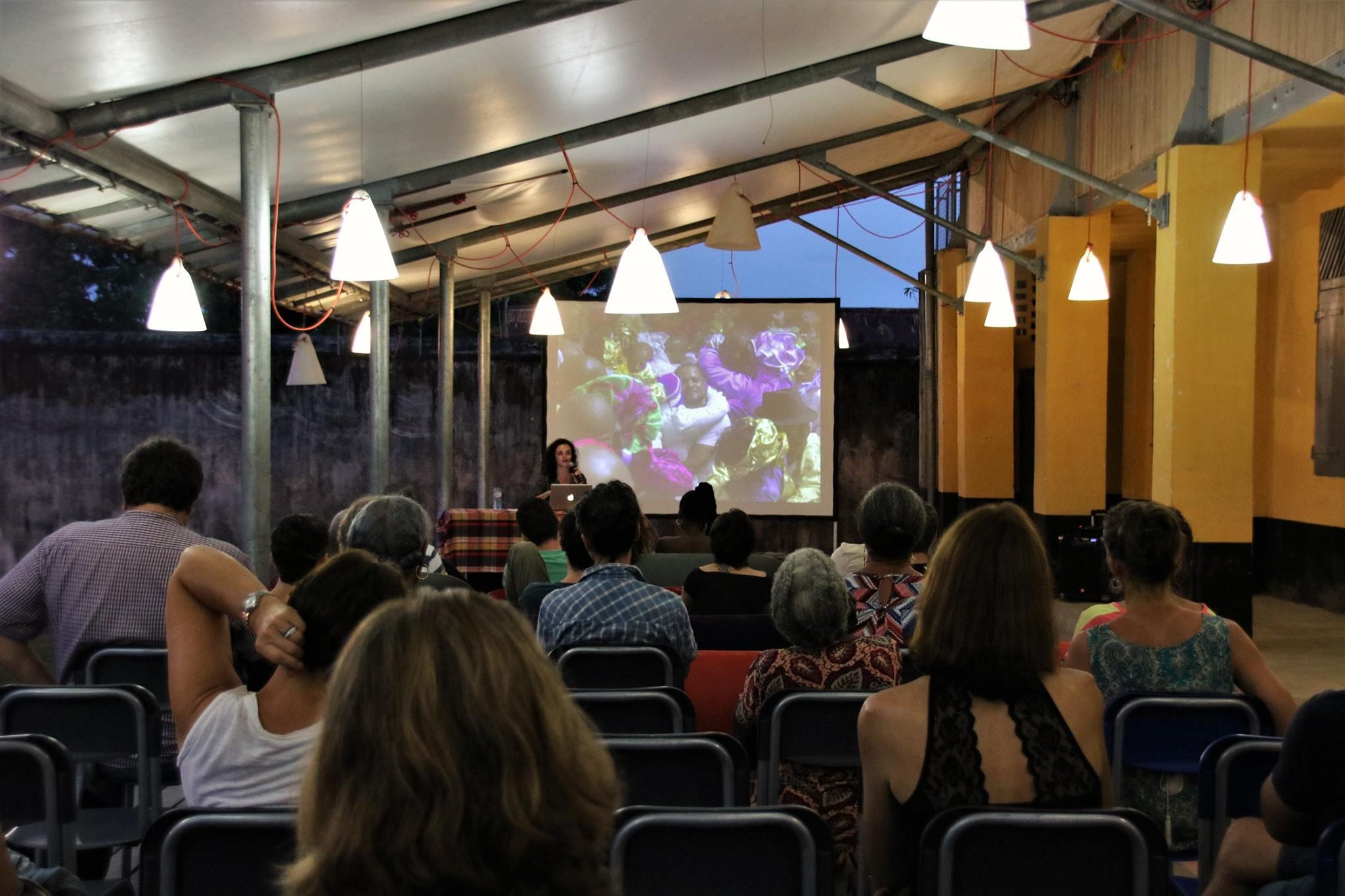 """[PATRIMOINE] : retour sur la conférence """"Les voix de la ville, portraits de Saint-Laurentais-es au dancing"""""""