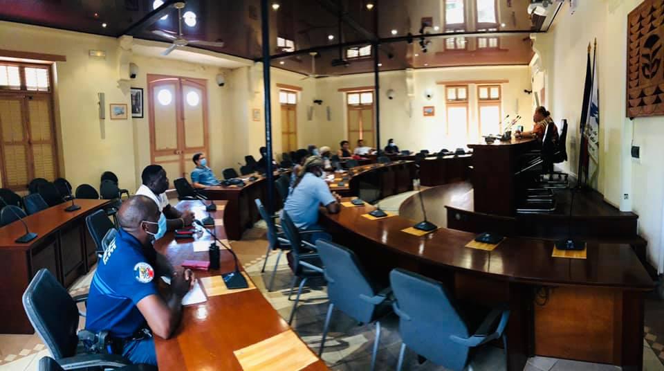[#déconfinement] : Madame le maire et les représentants du personnel s'accordent sur le maintien des dispositions définies lundi dernier autour de la réouverture des services municipaux au public