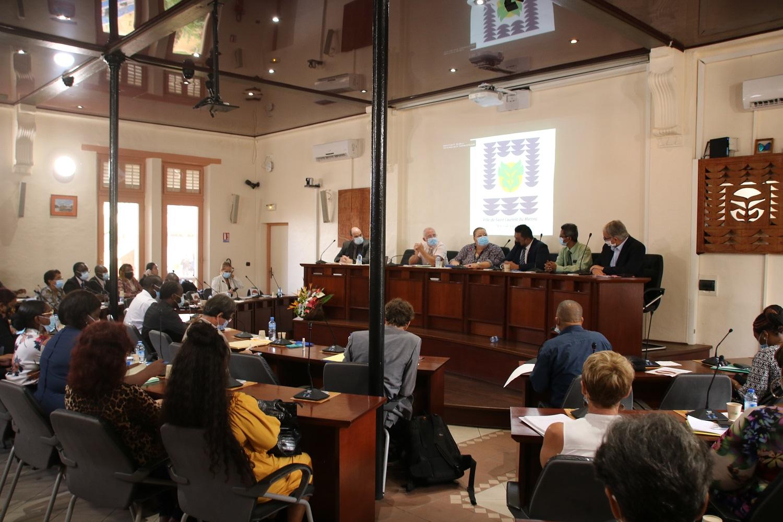 #RencontreFranco-Surinamaise : La municipalité reçoit le ministre des affaires intérieures du Suriname pour travailler sur les états-civils