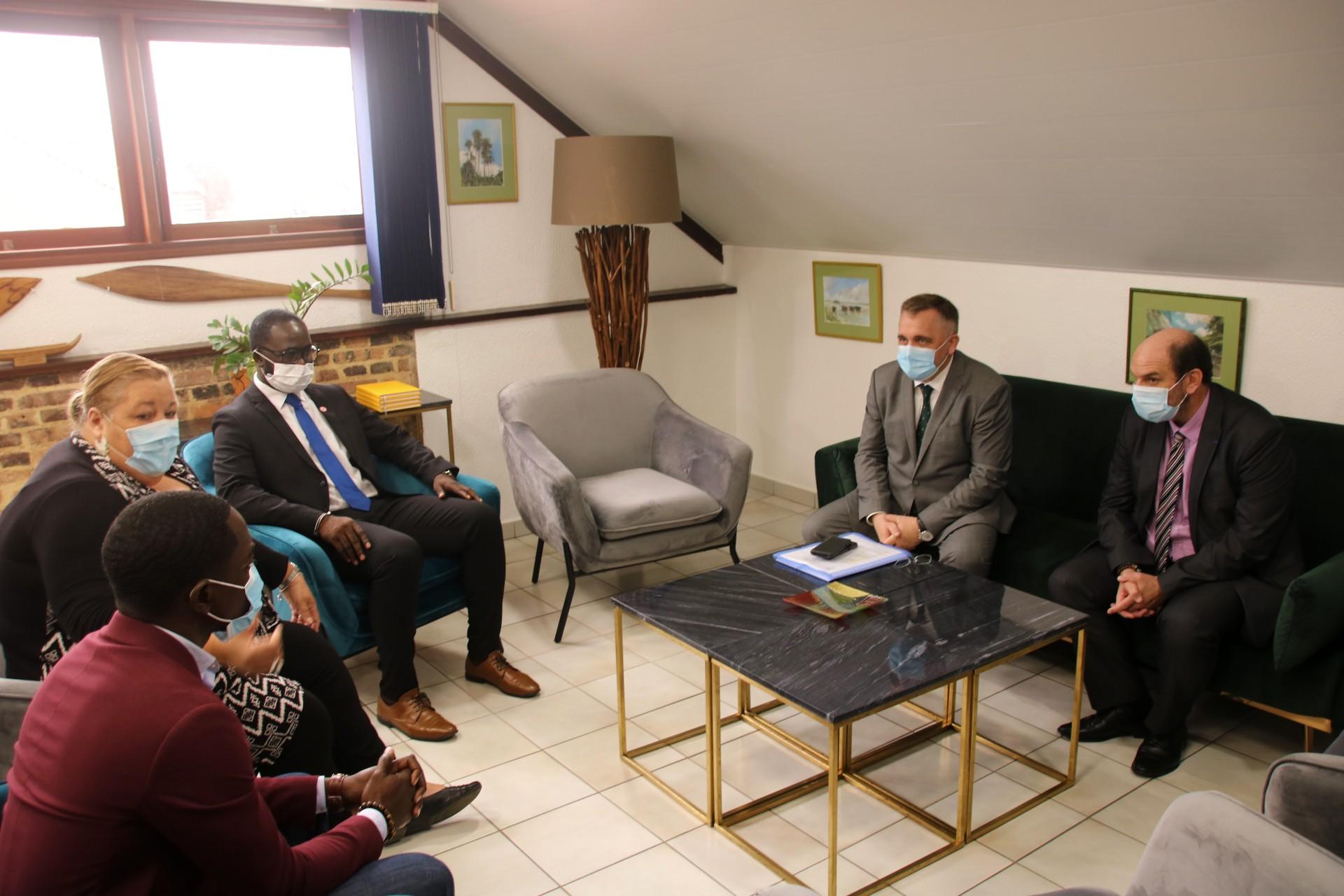 #Institutionnel : Première rencontre officielle entre Sophie Charles, maire de Saint-Laurent du Maroni et Thierry Queffelec, préfet de Guyane