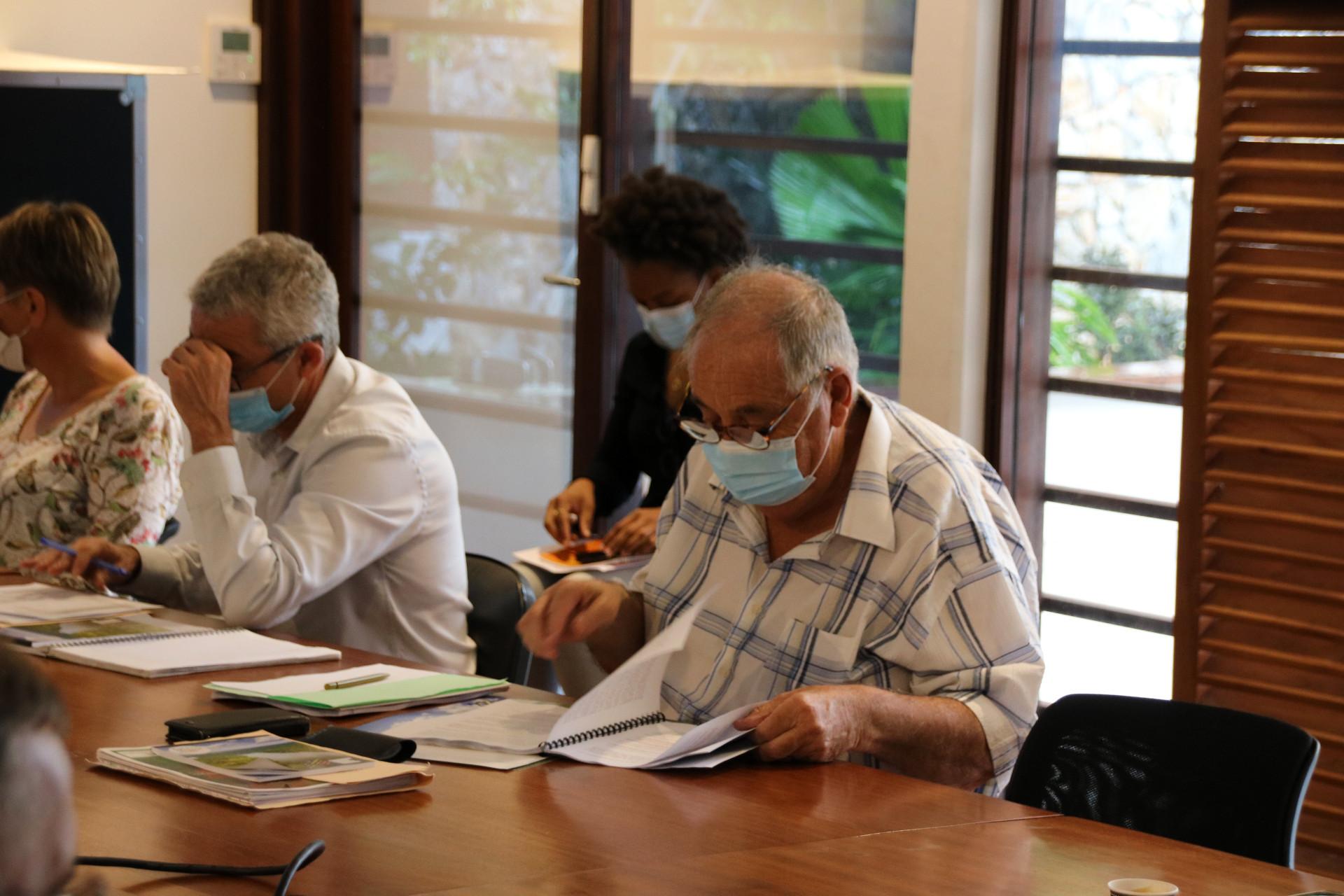#Aménagement : Les élus abordent les problématiques de Saint-Laurent du Maroni au Conseil d'administration de l'EPFA (l'Établissement Public Foncier et d'Aménagement de la Guyane)