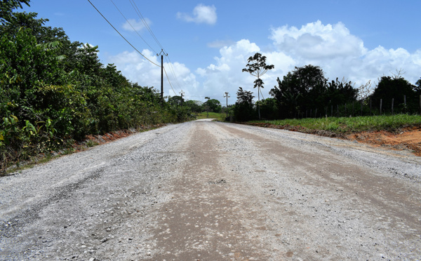 Troisième tranche des travaux de revêtement de la route Paul isnard