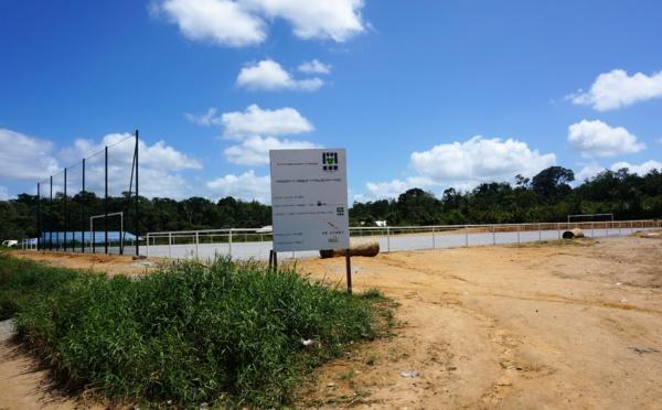 Saint-Laurent cadre de vie : rénovation du terrain de football des Sables-Blancs