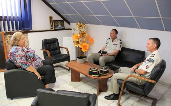 [Formation] : Madame le maire rencontre le général Thierry de LADOUCETTE, commandant du Service Militaire Adapté