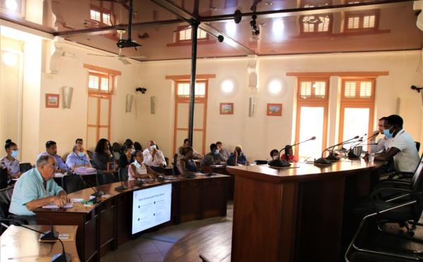 #Actioncoeurdeville : Les candidats à l'AMI Maison du receveur des douanes présentent leurs projets à la commune