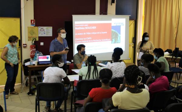 #Patrimoine : le service patrimoine organise une rencontre entre les élèves du lycée Bertène Juminer et Matthieu NOUCHER, géographe chercheur au CNRS