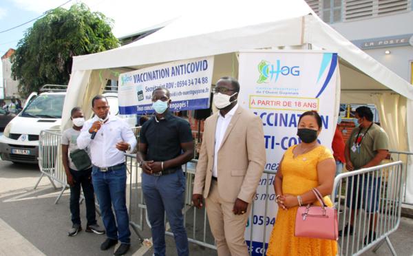 #Vaccination : Les élus de Saint-Laurent du Maroni reçoivent le vaccin Pfizer contre le COVID-19